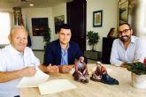 El Ayuntamiento renueva su colaboración con los Amigos del Belén que ya trabajan en la renovación total del 'Belén de España' con motivo de su 50 Aniversario