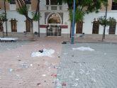 El PSOE denuncia que la explanada del Cuartel de Artillería, tras el concierto que protagonizó Loquillo, sigue llena de basura esta mañana