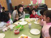 Los alumnos de primaria y sus familias participan en las IX Jornadas de Desayunos Saludables