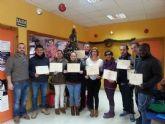 Juventud entrega a 16 alumnos sus diplomas por los cursos de informatica