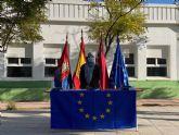 24 jóvenes universitarios han recibido del ayuntamiento una subvención complementaria a las becas ERASMUS
