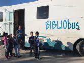El Bibliobus llega a los colegios con el objetivo de extender la lectura pública por toda nuestra Región