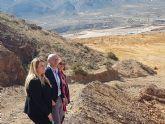 El consejero de Empleo visita a la instalaci�n de residuos mineros San Crist�bal II
