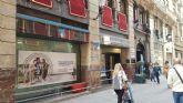 HUERMUR denuncia la colocación de barreras anti-mendigos en una oficina bancaria del centro histórico de Murcia