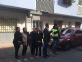 El PSOE interviene para que los vecinos de Los Almendros mejoren su calidad de vida y eliminen las goteras de sus casas