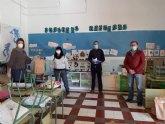 Educación y voluntarios de Protección Civil coordinan la entrega de libros y material escolar para el tercer trimestre del curso escolar