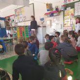 Educación amplía los fondos bibliográficos de los colegios de San Pedro del Pinatar con motivo del Día del libro