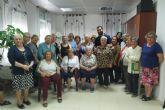 Los mayores de Torreciega reciben consejos de autoprotección de la Policía Local