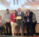 La Universidad de Murcia premia al Ayuntamiento de San Javier por su labor en favor del deporte