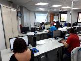 El Ayuntamiento de Molina de Segura y el FEDER financian la formación en competencia digital para mejorar el acceso a los servicios municipales