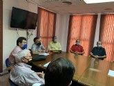Reunión del equipo de gobierno con un comité de empresarios locales