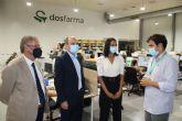 La consejera de Empresa visita DosFarma