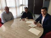 El Ayuntamiento renueva convenios de colaboración con Cáritas San Javier y la Asociación Parkinson Mar Menor