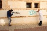 Cultura y Patrimonio elimina pintadas de edificios emblem�ticos del municipio
