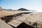 El Delegado del Gobierno comprueba los daños en la costa de Mazarr�n ocasionados por el temporal