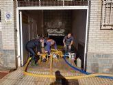 Protección Civil de Totana coopera en las labores de achique de agua en viviendas en Los Alcázares tras las inundaciones