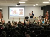 El dibujante de Marvel, Salva Espín, imparte tres clases magistrales a alumnos y vecinos de Fuente Álamo