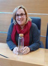 El Ayuntamiento de Molina de Segura sustituye las botellas de plástico por botellas de vidrio en los Plenos municipales