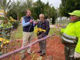 El Ayuntamiento poda más de 10.000 rosales para fomentar su floración de cara a la primavera