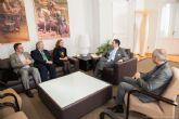 José López recibe a los cónsules de Suecia, Rumanía y Ecuador