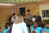 Jugadores del F.C. Cartagena visitaron el colegio Adoratrices