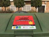 El Consistorio pega 150 vinilos informativos en contenedores de la ciudad