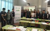 Organizan una charla informativa sobre reciclaje en la Escuela de Adultos de Totana
