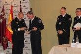 El cabo Norberto Costa recibe la Medalla de Reconocimiento de las Polic�as Locales