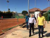 El director general de Deportes, Alonso Gómez visitó las instalaciones deportivas municipales