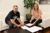 El Consistorio renueva su convenio de colaboraci�n con el Moto Club Alhama
