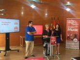 Los clientes de un millar de comercios del municipio podrán optar a premios de 200 euros durante el mes de septiembre