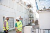 Rehabilitan las cubiertas del techado del CEIP Manuela Romero