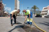 Limpian canalizaciones e imbornales para prevenir inundaciones
