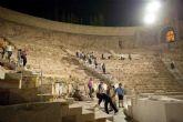 El Museo del Teatro Romano acoge la visita guiada nocturna 'El Teatro bajo la luz de la luna'
