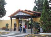 Puesta a punto del cementerio de San Damián para celebrar el Día de Todos los Santos