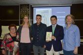 El ribereño Rubén Santiago presentó en Santiago de la Ribera su primer libro 'Ultramar'