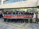Estudiantes de Secundaria participan en una Marcha contra los accidentes de Tráfico