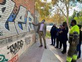 Un plan especial eliminará 6.000 m2 de pintadas de las zonas verdes del municipio