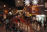 Papá Noel recorre las calles de San Pedro del Pinatar en la cabalgata 'Fantasía de Navidad'