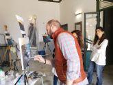 Una veintena de alumnos aprende técnicas de pintura junto a Cristóbal Pérez