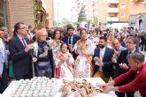 Fernando López Miras asiste a la tradicional degustación de buñuelos con chocolate con motivo de las Fiestas de Primavera de Murcia