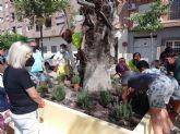 Alumnos del CEIP Pintor Pedro Flores de Puente Tocinos participan en una plantación en su pedanía