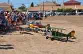 La Patrulla de Aeromodelismo de Exhibición del Ejército del Aire sorprende con el vuelo de reproducciones exactas de la historia de la aviación