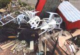 Denunciados dos conductores por efectuar un depósito de escombros y un vertido de aceite, respectivamente