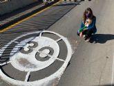 El Ayuntamiento desarrolla una campaña de repintado de señalización en entornos escolares que incluirá mensajes para prevenir el COVID-19