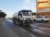 El ayuntamiento de Mazarr�n intensifica la limpieza y desinfecci�n en sus calles para combatir la covid-19