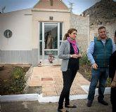 Alcaldesa y Concejal encargado visitan las obras de arreglo y adecentamiento que se realizan en el cementerio municipal