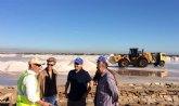 Comienza la cosecha de 100.000 toneladas de sal en el Parque Regional de las Salinas y Arenales de San Pedro del Pinatar