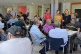 La directora general de Mayores disfruta de la 'Semana Cultural' del Centro de Personas Mayores