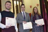 La UMU entrega los premios del 'II Concurso de tuits contra la Violencia de Género' con motivo del 25N